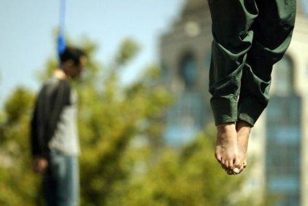 İranda 700-ə yaxın adamı edam etdilər