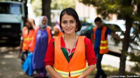 """Tacikistanlı """"süpürgəçi"""" dünyanın ən gözəl qadınları siyahısına düşdü – VİD ..."""