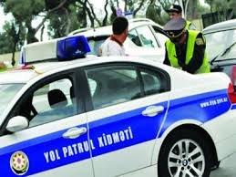 Yol polisi azerinfo.az-ın əməkdaşından niyə rüşvət istəyib?